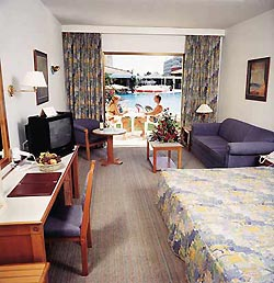 Aeneas Hotel /