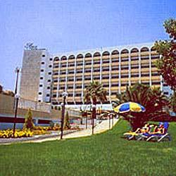 Ajax Hotel /