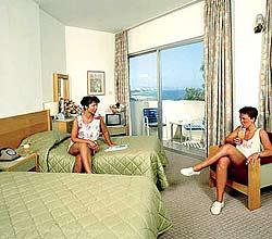 Crusader Beach Hotel /