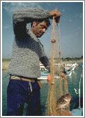 На острове есть целые деревушки рыбаков